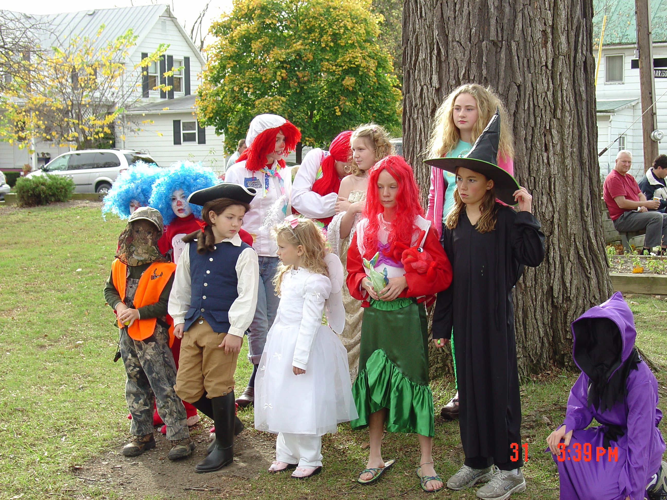 trick or treat parade from 2004 02