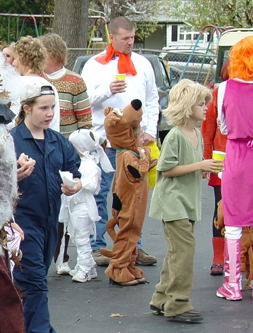 trick or treat parade from 2004 13