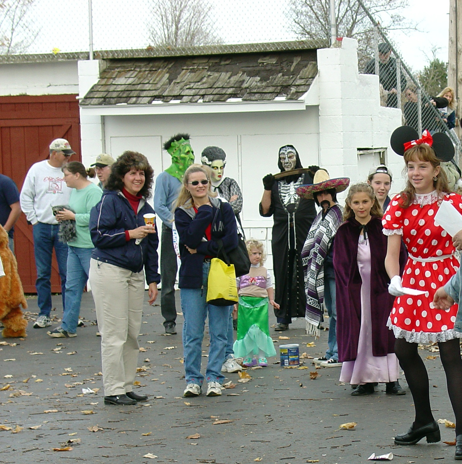 trick or treat parade from 2004 20
